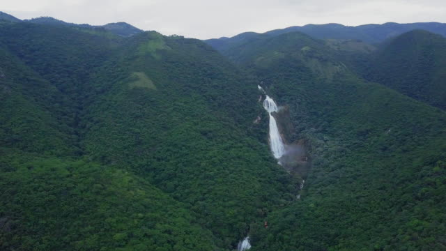 El Chiflón Waterfall in Chiapas establishing shot