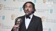 El cineasta mexicano Alejandro Gonzalez Inarritu fue distinguido como mejor director en los premios BAFTA britanicos por su cinta El renacido que...