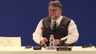 El cineasta mexicano Guillermo del Toro premiado el sabado con el Leon de Oro de la 74ª Mostra de Venecia por su fabula La forma del agua defendio...