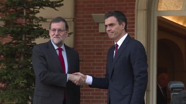 El conservador Mariano Rajoy inicio este miercoles las conversaciones para intentar mantenerse en el poder tras las elecciones legislativas