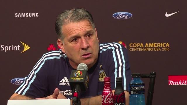 El Director Tecnico del seleccionado argentino Gerardo Martino y sus dirigidos se consideraban justos vencedores tras ganar a Chile 21 en el debut de...