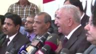 El ex presidente islamista de Egipto Mohamed Mursi derrocado y detenido por el ejercito a comienzos de julio denunciara ante la justicia a los que...