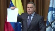 El fiscal general de Venezuela Tarek William Saab denuncio el jueves que su antecesora Luisa Ortega fue complice de un desfalco de 200 millones de...