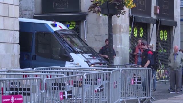 El fiscal general del Estado anuncio el lunes una querella por el delito de rebelion contra los miembros del gobierno catalan destituido acusados de...