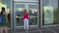 El Fondo europeo de estabilidad financiera declaro oficialmente el viernes a Grecia en situacion de impago tras no haber hecho frente a un...