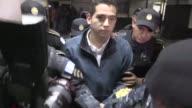 El hijo y un hermano del presidente de Guatemala Jimmy Morales fueron arrestados el miercoles bajo cargos de corrupcion por un supuesto contrato de...