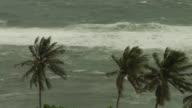 El huracan Maria de categoria 3 se dirige el lunes hacia las Antillas Menores donde las actividades han sido suspendidas y se ha pedido a los...