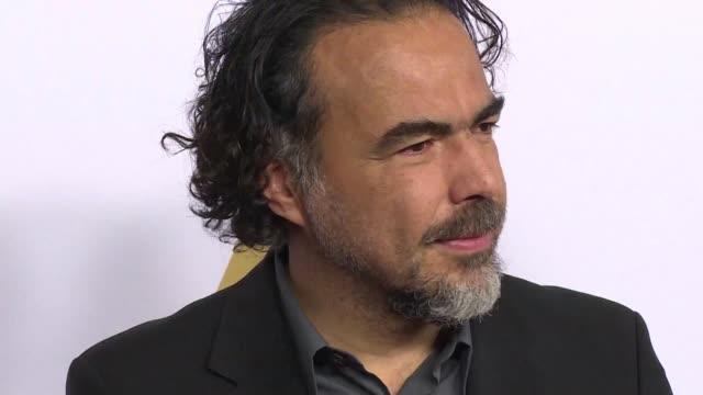 El mexicano Alejandro Gonzalez Inarritu se alzo por segundo ano consecutivo con el Oscar a Mejor director por El Renacido