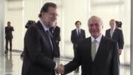 El presidente brasileno Michel Temer recibio el lunes en Brasilia al jefe de gobierno espanol Mariano Rajoy la visita busca fomentar las inversiones...