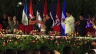 El presidente de Nicaragua Daniel Ortega asumio por cuarta vez la presidencia de su pais en esta ocasión con su esposa Rosario Murillo como...