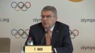 El presidente del Comite Olimpico Internacional Thomas Bach informo el viernes que la comision ejecutiva del organismo adopto una recomendacion para...