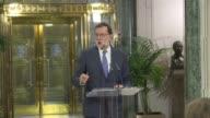 El presidente del gobierno espanol en funciones Mariano Rajoy dijo el miercoles que dio un primer paso hacia la formacion de un ejecutivo tras...