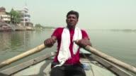 El primer ministro indio Narendra Modi quiere lograr lo que muchos gobiernos no han conseguido limpiar las contaminadas aguas del rio Ganges
