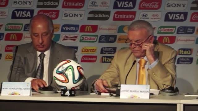 El Secretario General de la FIFA Jerome Valcke regreso este martes a Brasil y minimizo las criticas por la falta de uso de los millonarios estadios...