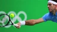 El tenista argentino Juan Martin del Potro mantiene vivo el sueno de una medalla olimpica tras lograr este lunes la clasificacion a tercera ronda en...