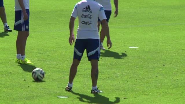 El volante Angel di Maria respondio el domingo las criticas contra el desempeno de Argentina ante Iran afirmando que el equipo hizo un buen partido...