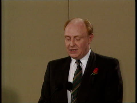 Labour Manifesto Launch **** Rushes Kept On CR314 **** Rushes Not Kept ENGLAND London Transport House Kinnock amp MP's on to stage Neil Kinnock...