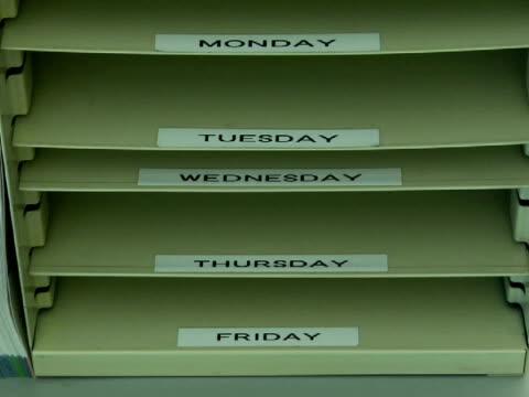 CU, Empty filing tray