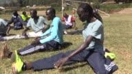 En las tierras altas de Kenia un grupo de atletas sin bandera entrena con el sueno de ir a las Olimpiadas