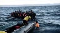 En medio del ambiente de zozobra por los naufragios y el hallazgo de cuerpos sin vida en el Mar Egeo continua la afluencia masiva de migrantes hacia...