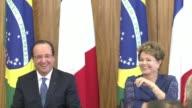En un ambiente distendido los presidentes de Francia Francois Hollande y Brasil Dilma Rousseff acordaron mayores intercambios comerciales y bromearon...