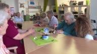 En una casa de la tercera edad en Dresde los residentes viven como si estuvieran en la Alemania del Este de la década de 1960