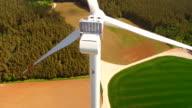 Engineer worker to rappelling down on wind turbine