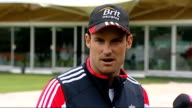 England prepare for test series against India ENGLAND London Lord's Cricket Ground EXT Andrew Strauss and MahindraSingh Dhoni posing on pitch with...