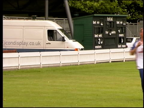 England wicket keeper and batsman Alec Stewart practising fielding Clean feed tape = D0624217 or D0624218 002301 to 002332 MUTE Programme as...
