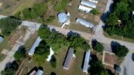 Gehele Gemeenschap vernietigd neer te kijken op rij van huizen een totale rampenstreek La Grange, Texas kleine stad Gulf Coast schade van Orkaan Harvey Path of Destruction.