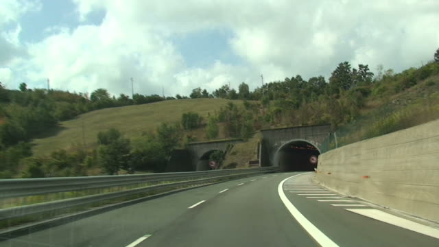 Entrance in a tunnel and exit