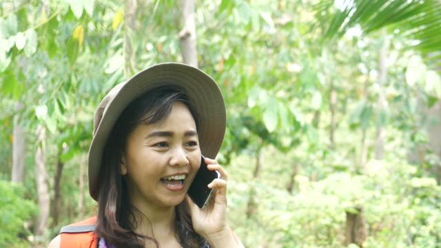 Environmentarist arbeiten im Wald