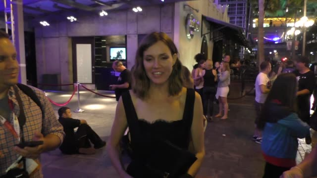 Erinn Hayes talks aout Comic Con at Comic Con in San Diego in Celebrity Sightings at Comic Con