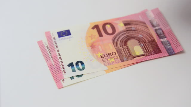 Euro currency payout