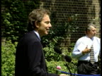 Results ITN ENGLAND London Downing Street Prime Minister Tony Blair MP along into rose garden and to mikes BV Blair at mikes Prime Minister Tony...