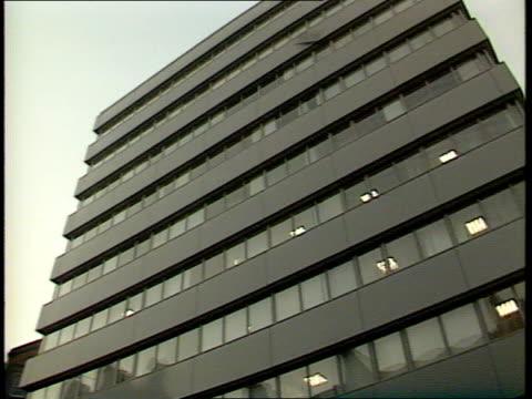 European newspaper/Maxwell scandal LAGV Serious Fraud Office Building Elm CR22 House ITN