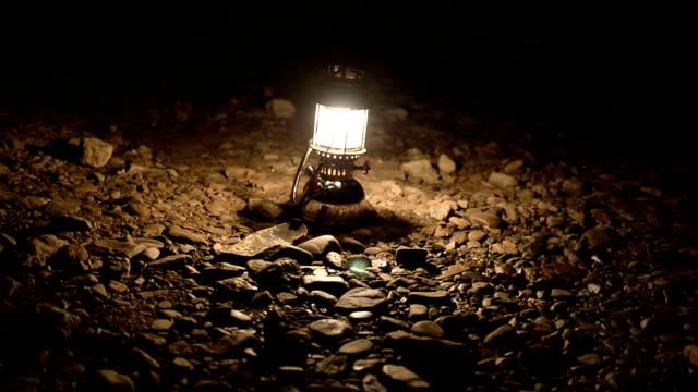 In der Dunkelheit