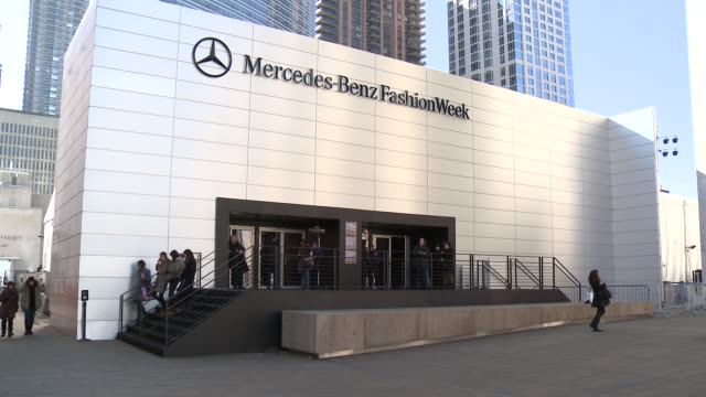 ATMOSPHERE Exterior atmosphere at Fall 2015 MercedesBenz Fashion Week at Lincoln Center for the Performing Arts on February 13 2015 in New York City
