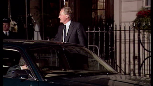 Exterior night shot Michael Heseltine MP returns home after loosing the Conservative leadership race to John Major on November 27 1990