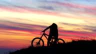HD CRANE: Extreme Biker Lifting His Bike