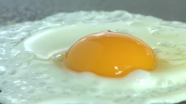 Extreme close-up eines Ei frying.