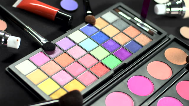 HD LOOP: Eyeshadow Palette