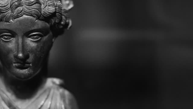 Gesicht eines antiken römischen Frau schwarz und weiß video