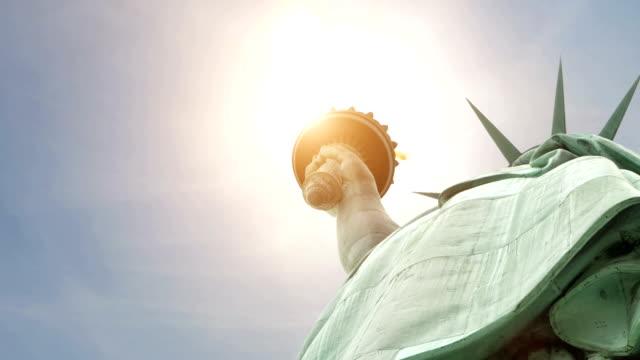 DOLLY nach oben: New York liberty statue