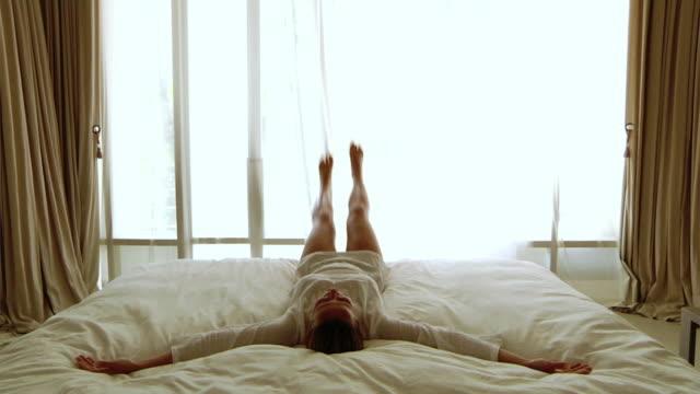 Fallen im Bett (HD 1080