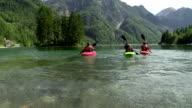HD: Familie Spaß Kajakfahren auf dem See