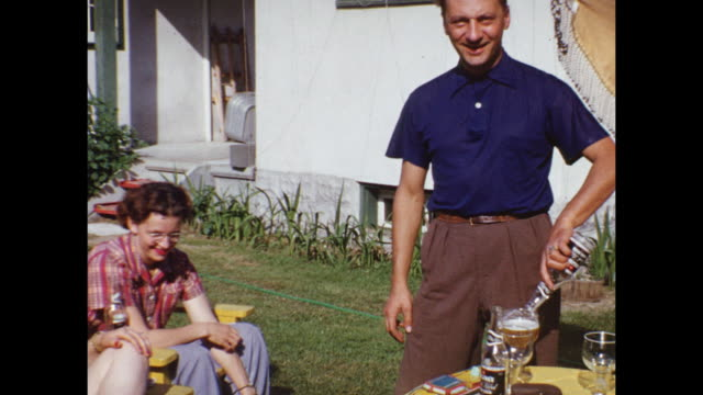 1953 MONTAGE Family in backyard, drinking beer, kids (2-5) playing / Canada