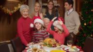 Familie posieren für ein lustiger Weihnachten Foto