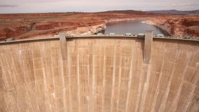 WS Famous Glen Canyon Dam