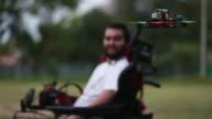 Fanático de la velocidad Agustín Zanoli quedó cuadripléjico tras un accidente a los 18 años Hoy ha logrado volver a experimentar la adrenalina...